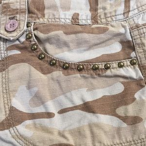 DKNY- Camouflage Jeans